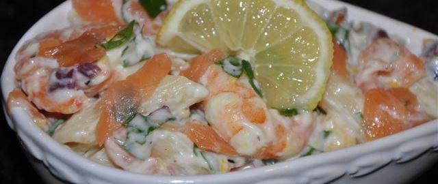 Smoked salmon and king prawn pasta salad hdr