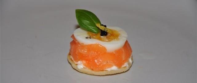 Smoked salmon, cream cheese, quail egg & caviar hdr